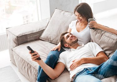 跟男朋友一起看A片。你知道嗎?這麼一來,性愛的興奮度會膨脹到最高點